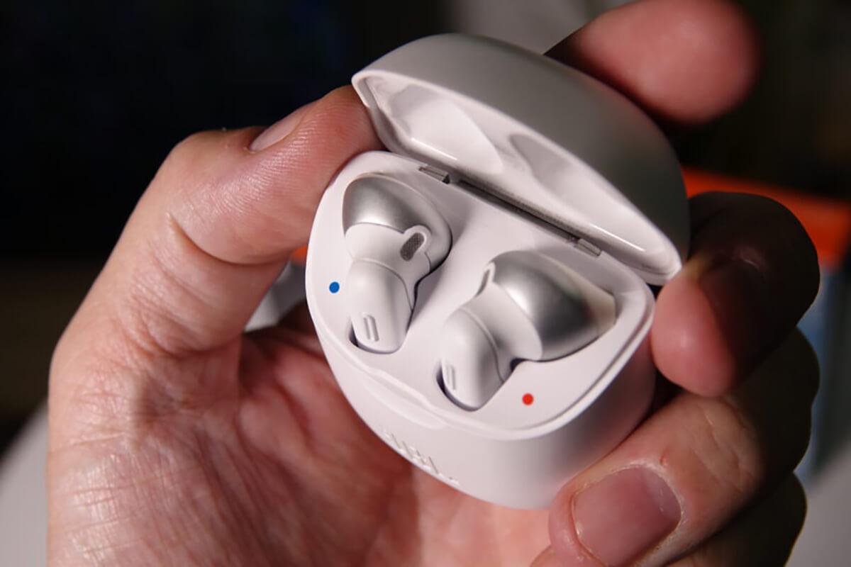 jbl tune 220tws wireless earbud headphone